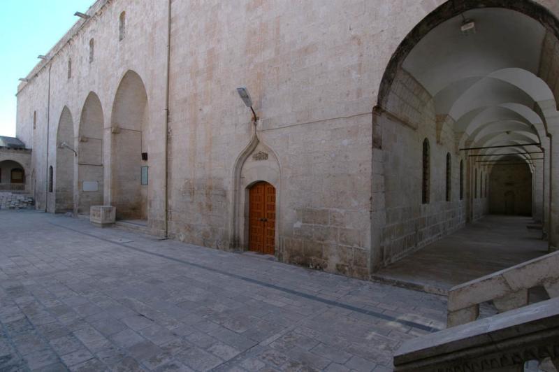 Şanlıurfa at Salahiddini Eyübi Mosque 3671.jpg