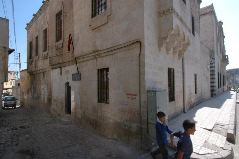 Şanlıurfa at Salahiddini Eyübi Mosque 3674.jpg