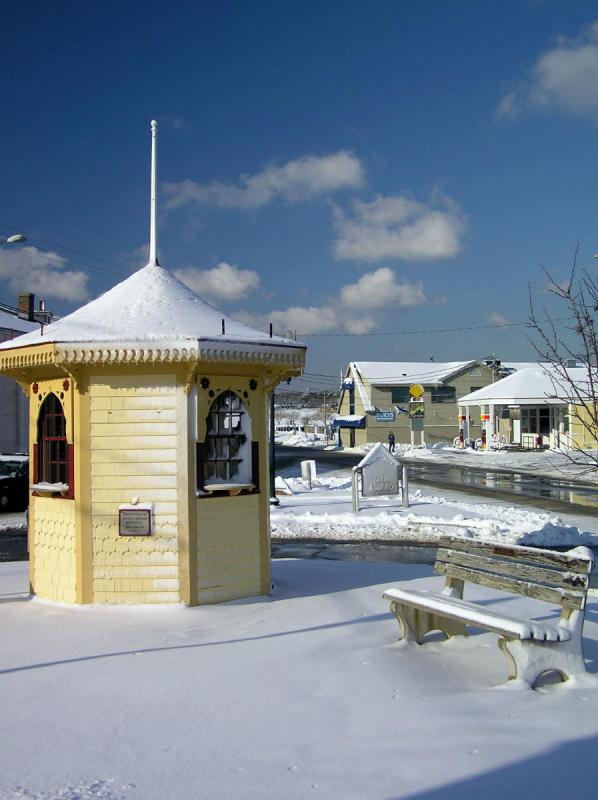 Oak Bluffs - winter of 2004.jpg