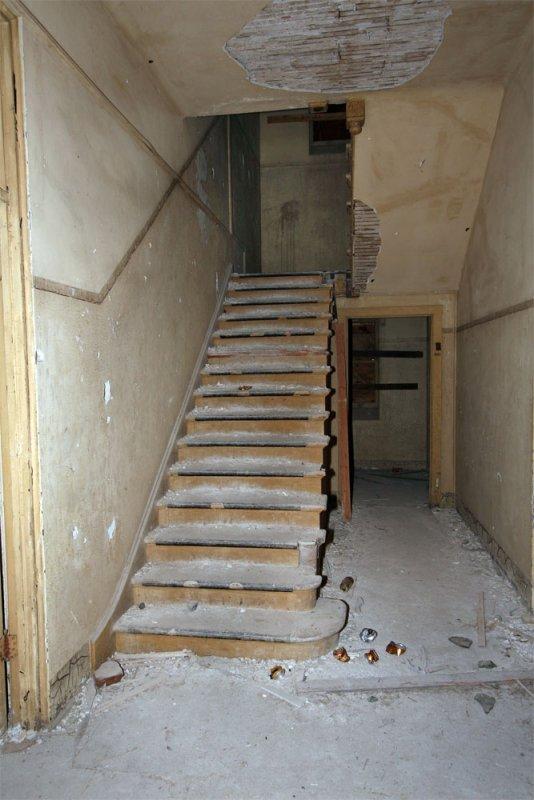 AI-hospital-staircase_09-07.jpg