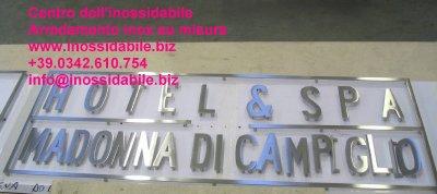Insegne scritte in acciaio inox morbegno for Scatolati in acciaio inox