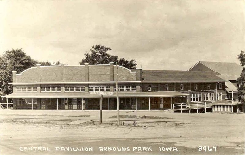 Central Pavillion 1930s
