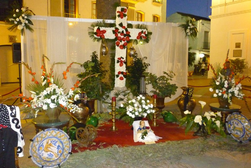 nerja plaza cross
