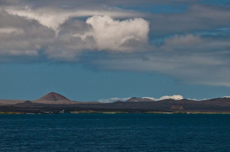 View while Moving to Chinese Hat Island from Puneto Egas