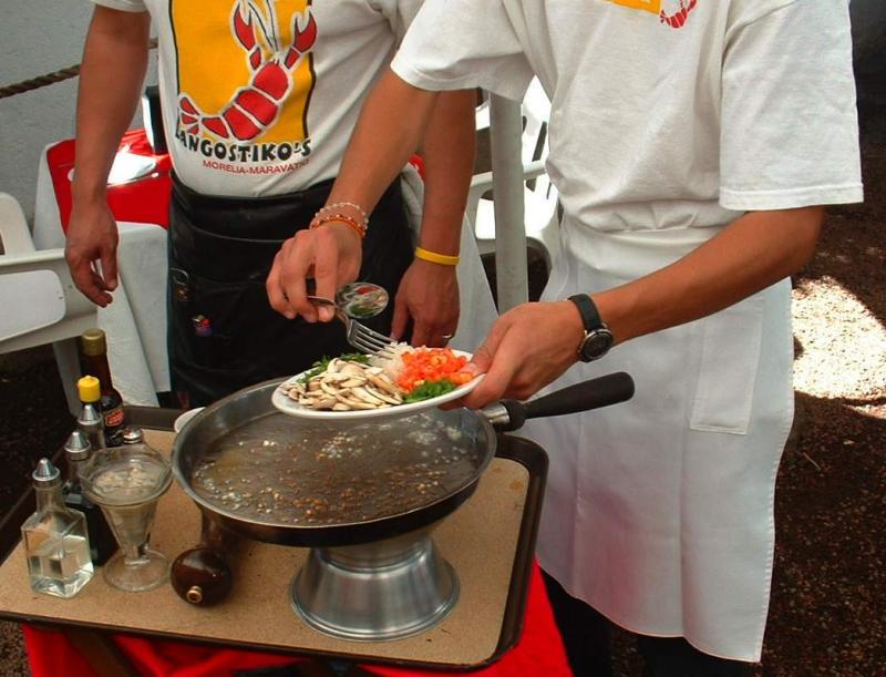 Sopa de Ostiones: adding mushrooms, etc