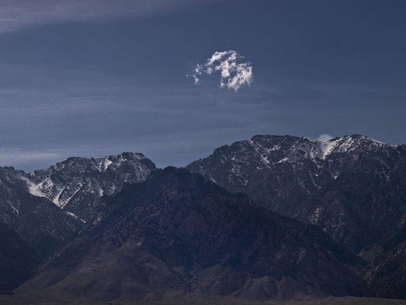 <B>Broken Moon</B> <BR><FONT SIZE=2>Lone Pine, California - April 2008</FONT>