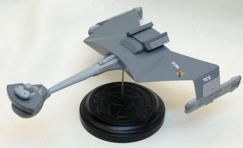 Polar Lights 1/1000 scale Klingon D7