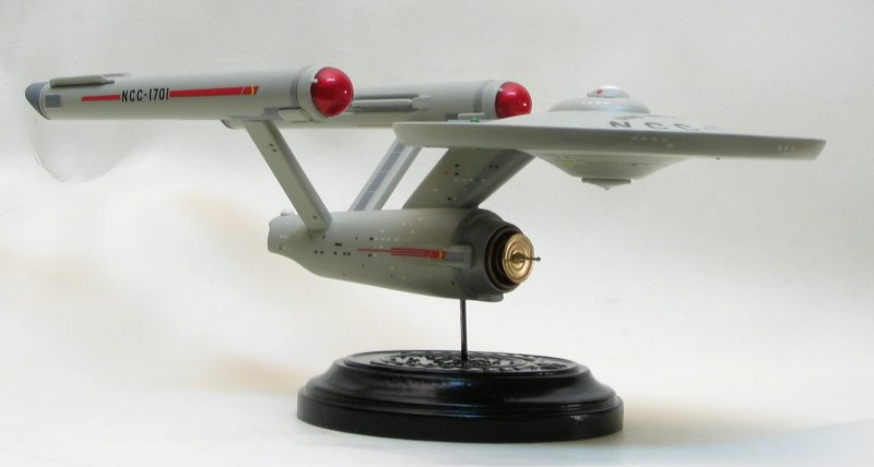 Polar Lights 1/1000 scale Enterprise