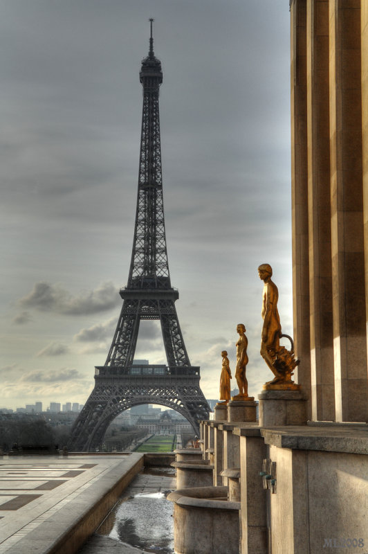 Eiffel tower and statue HDR