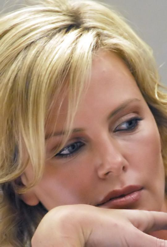 Charlize 061 A web_filtered.jpg
