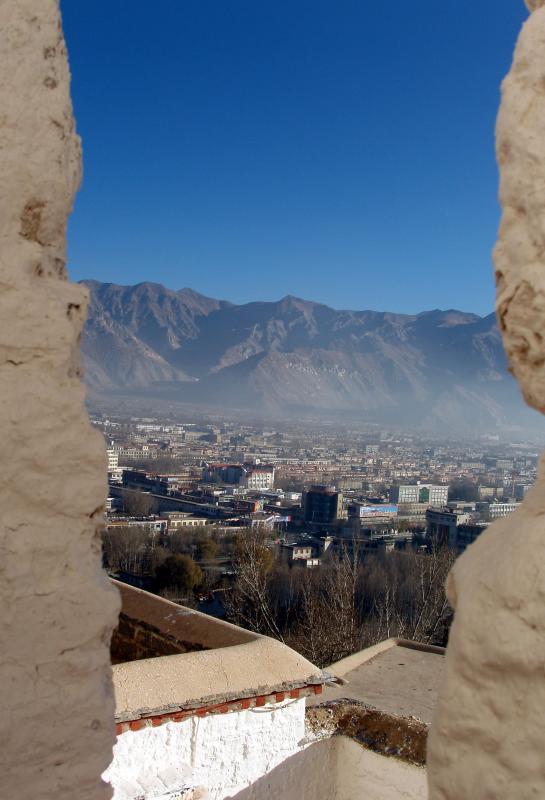 lhasa from potala8.jpg