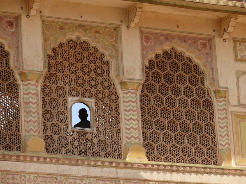 The spy, Amber Palace, Jaipur, India, 2008