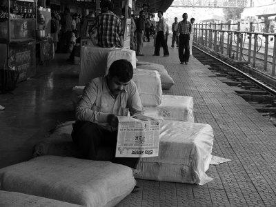 Heavy lifting, Agra, India, 2008