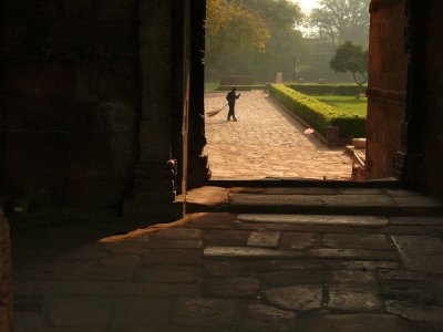 Sweeper, Might of Islam Mosque, Dehi, India, 2008