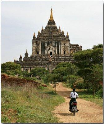 Thatbyinnyu Pahto, Bagan - connecting the old and new