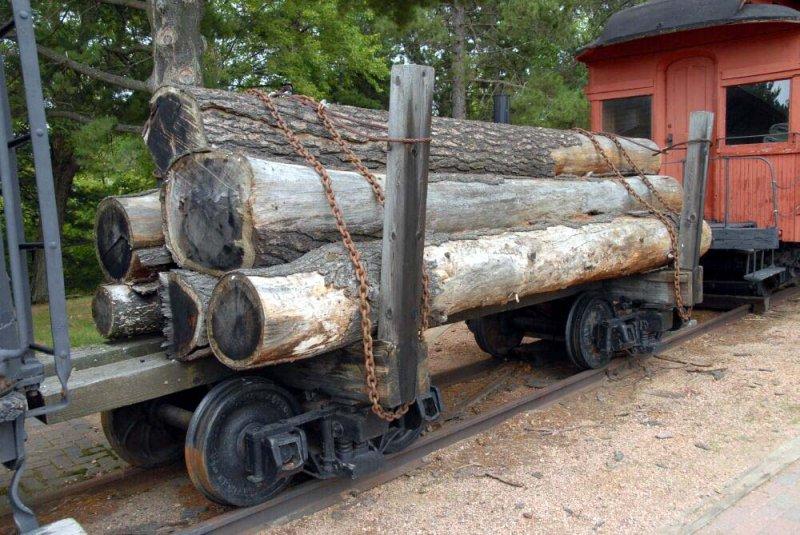 Russell log car
