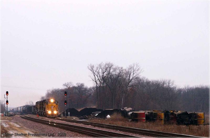 Train rolls through derailment site, UP Geneva sub, Frog Pond Rd. Whiteside county, Illinois.jpg