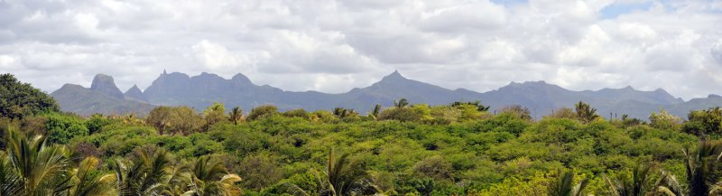Panoramic view of the mountains of Central Mauritius from La Plantation, Balaclava