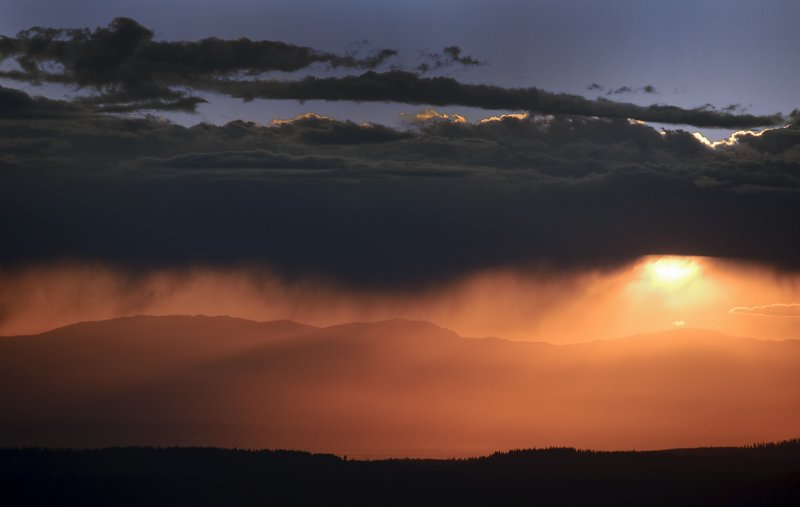 Sunset Virga 03 Oct 2009