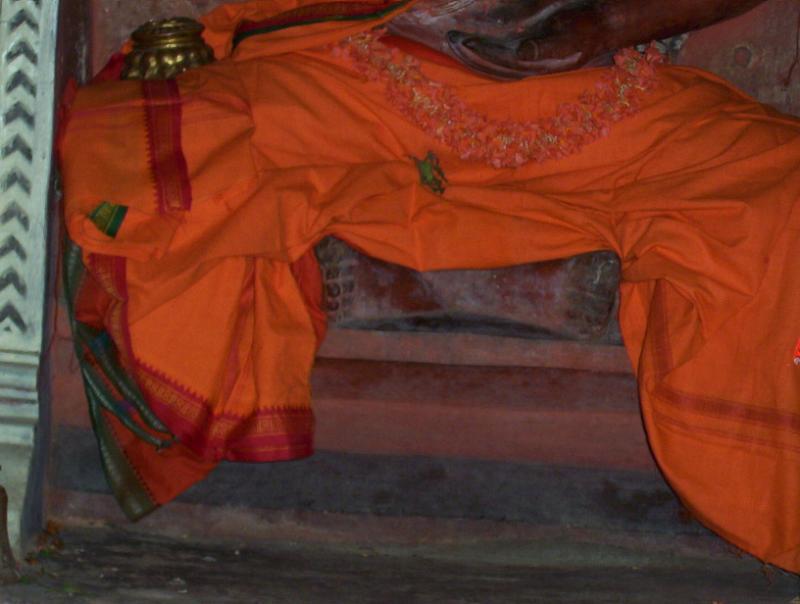 uDaiyavar-thiruvaDi