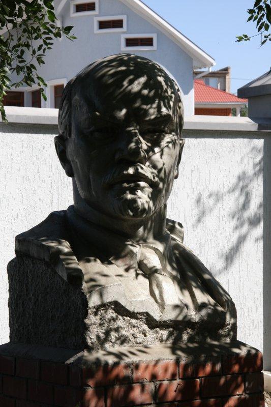 Atarow, Khazakstan..Lenin in the Yard
