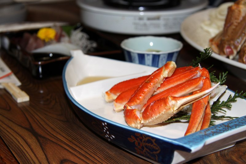 Crab legs with dipping sauce