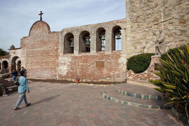 003_Dee, Bell Wall, Fr Serra statue__6473`1001091223.jpg