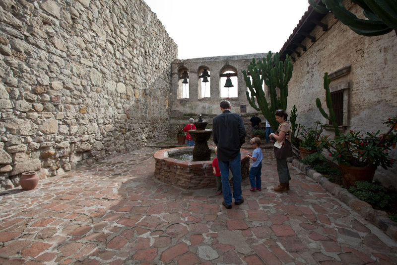 012_Sacred Garden, other side of Bell Wall__6505`1001091346.jpg