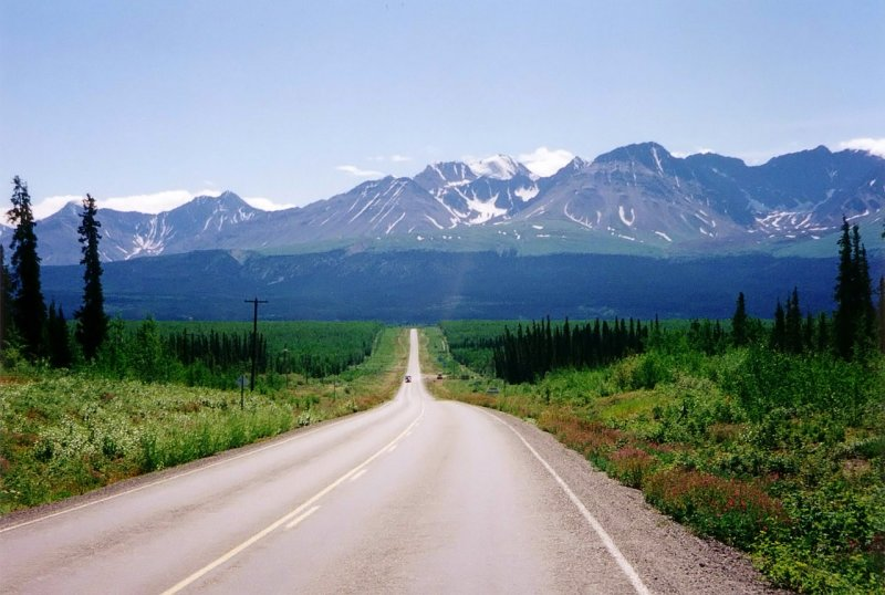 Going west on Alaska Highway towards Haines Junction