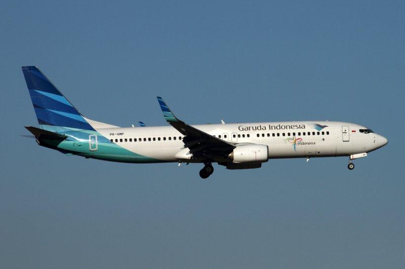 GARUDA INDONESIA BOEING 737 800 PER RF IMG_3095.jpg