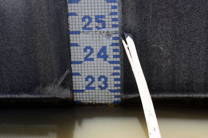 Spillway Gauge May 27, 2011 - four inches higher than May 9 when it opened