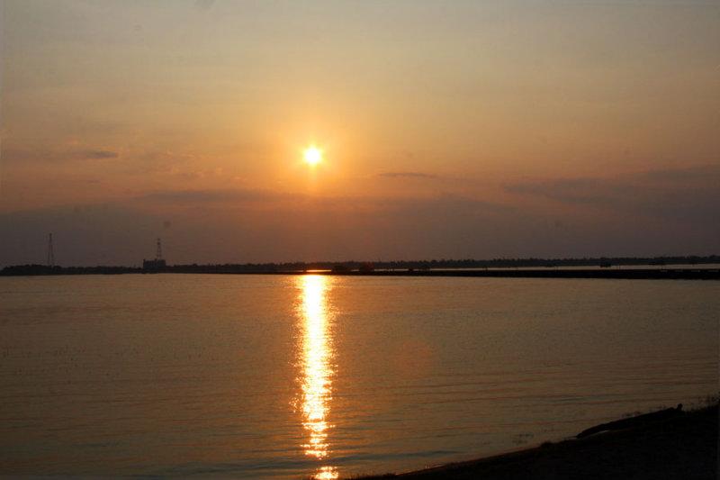 Sunset following a Scorching Day-Spillway Gauge is 22 feet
