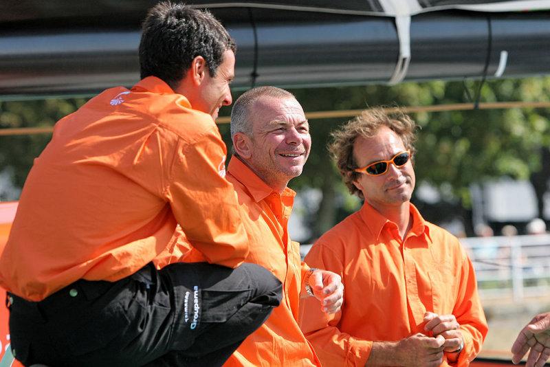 Franck Cammas, skipper, Stéphane Guilbaud, responsable de léquipe technique, et Franck Proffit, navigateur