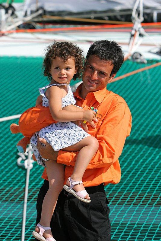 Franck Cammas et une de ses deux filles