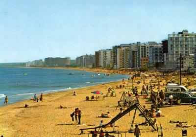 Beach in front of Golden Seaside