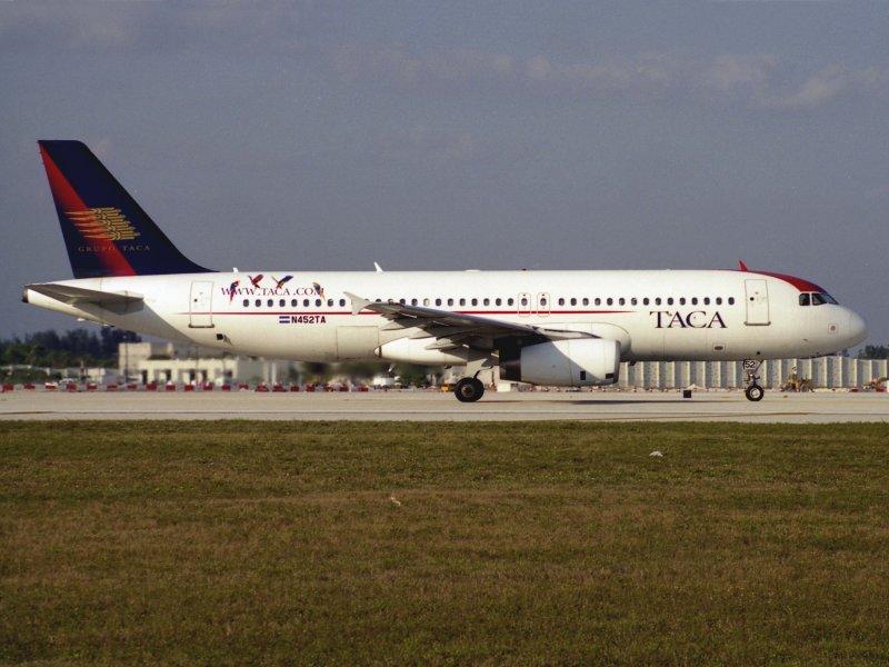 A-320 N452TA