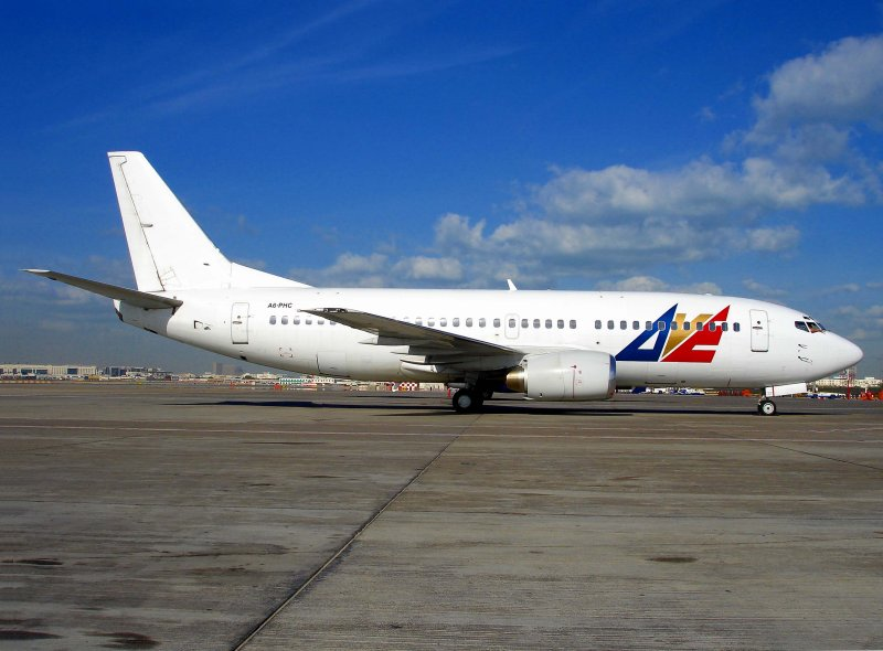 Boeing 737-300 A6-PHC