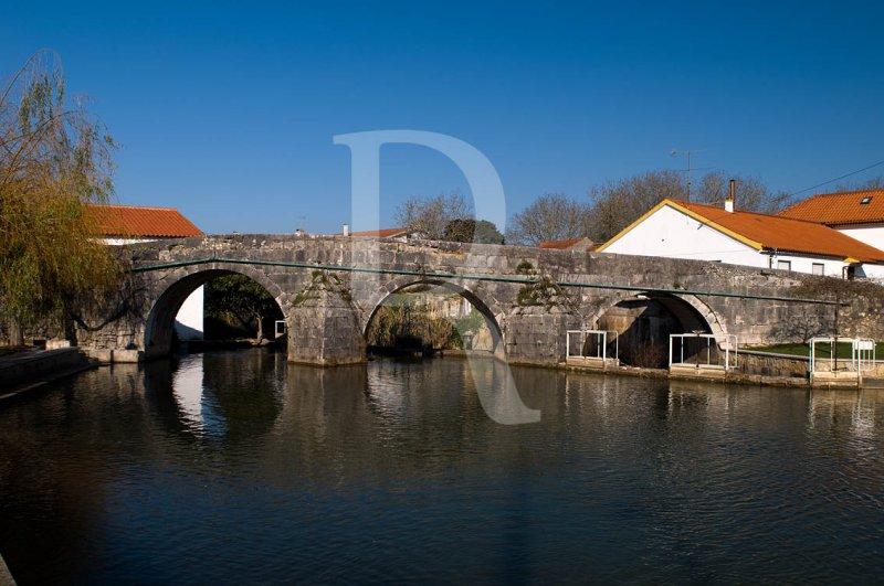 Redinha - Ponte Sobre o Rio Anços