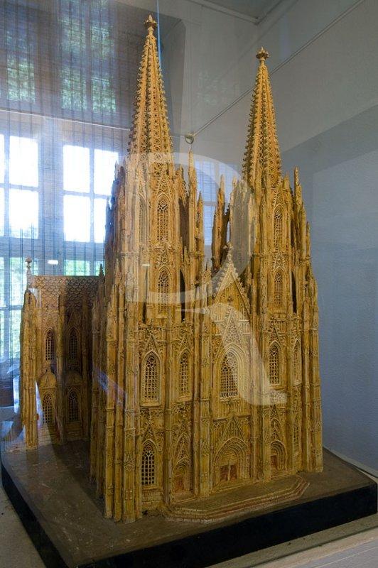 Escultura Cerâmica - Catedral de Colónia de José da Silva Pedro (1950)