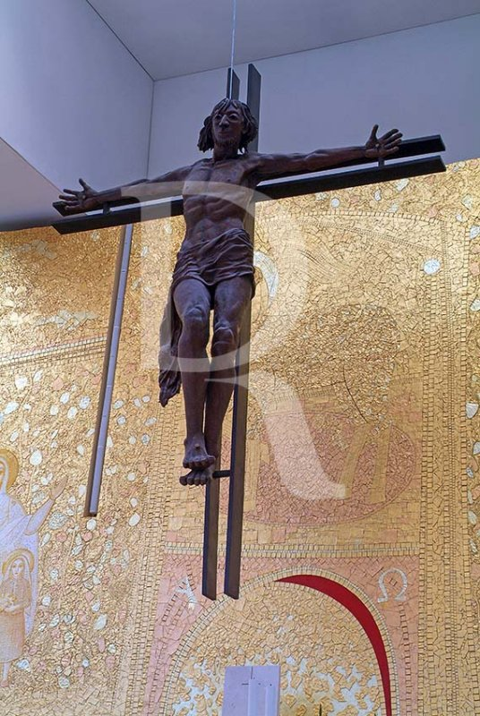 O Crucifixo da Igreja da Santíssima Trindade