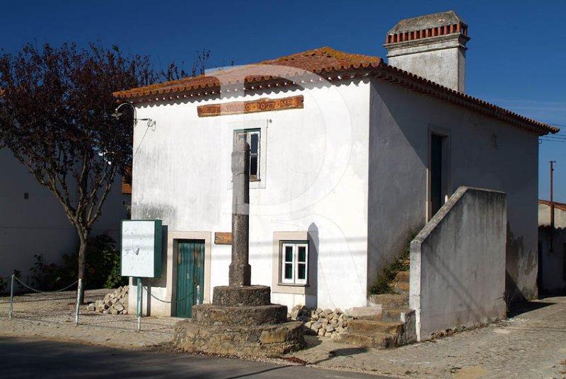 Pelourinho (IIP) e Casa da Câmara de Monte Real (Interesse Municipal)