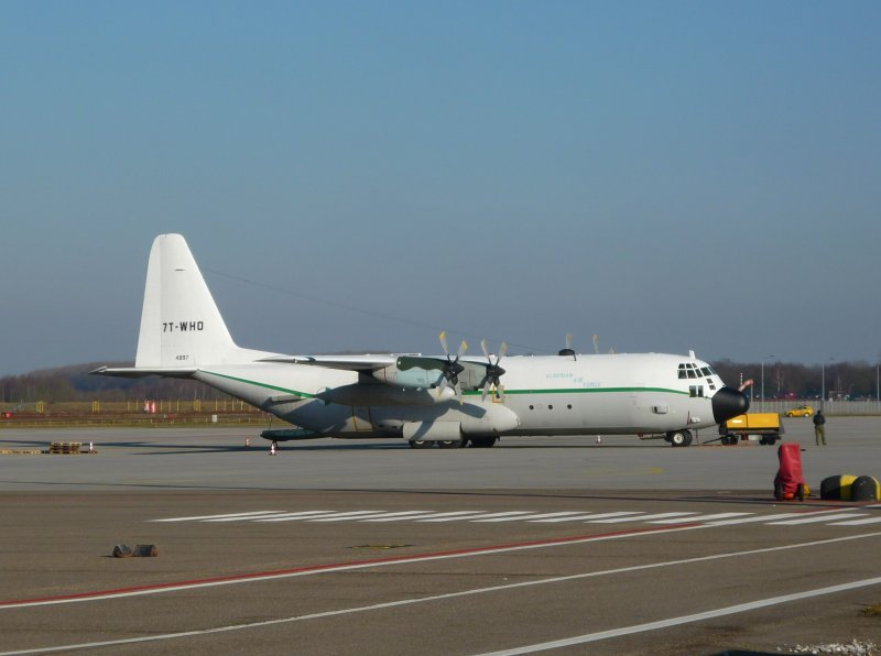 C-130H-30 4897/7T-WHO
