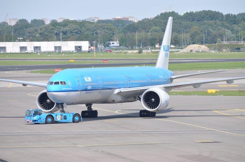 B.777-306(ER) PH-BVC