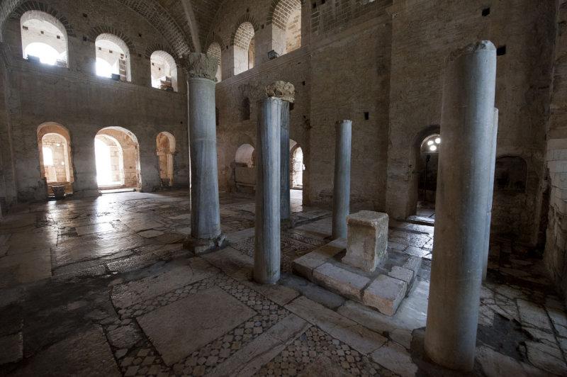 Myra Saint Nicolas church March 2011 5825.jpg