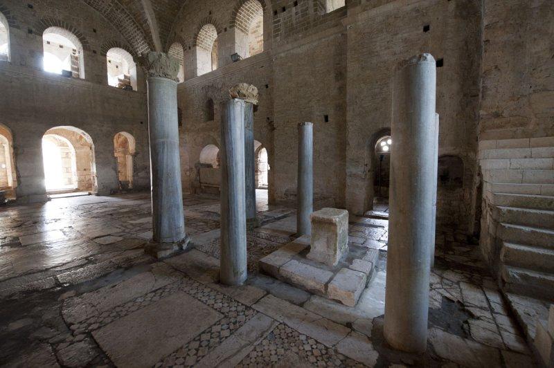 Myra Saint Nicolas church March 2011 5826.jpg