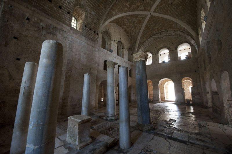 Myra Saint Nicolas church March 2011 5827.jpg