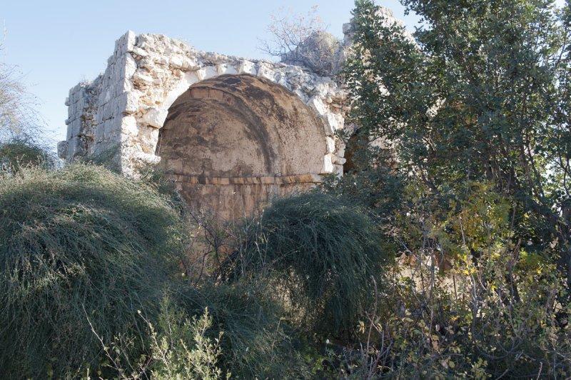 Kizkalesi and Ayas December 2011 1206.jpg