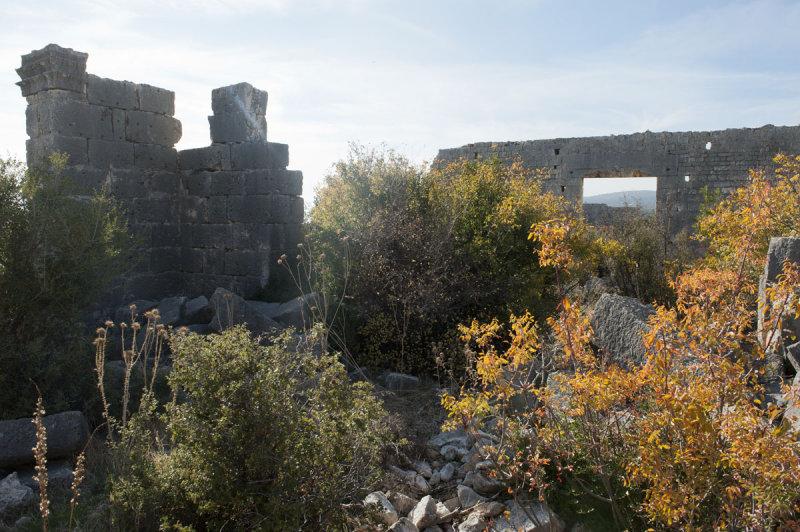 Kizkalesi and Ayas December 2011 1226.jpg