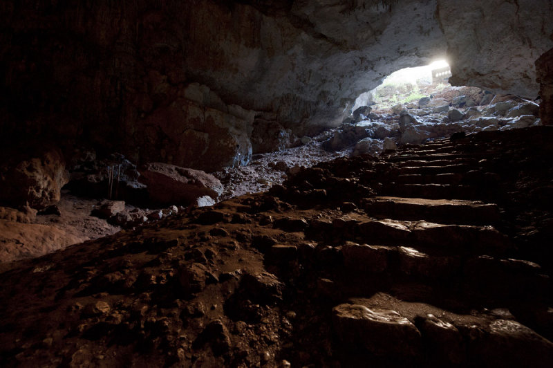 Heaven and hell and cave December 2011 1479.jpg