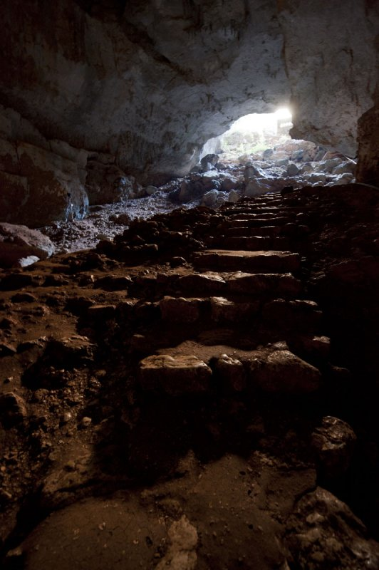 Heaven and hell and cave December 2011 1480.jpg